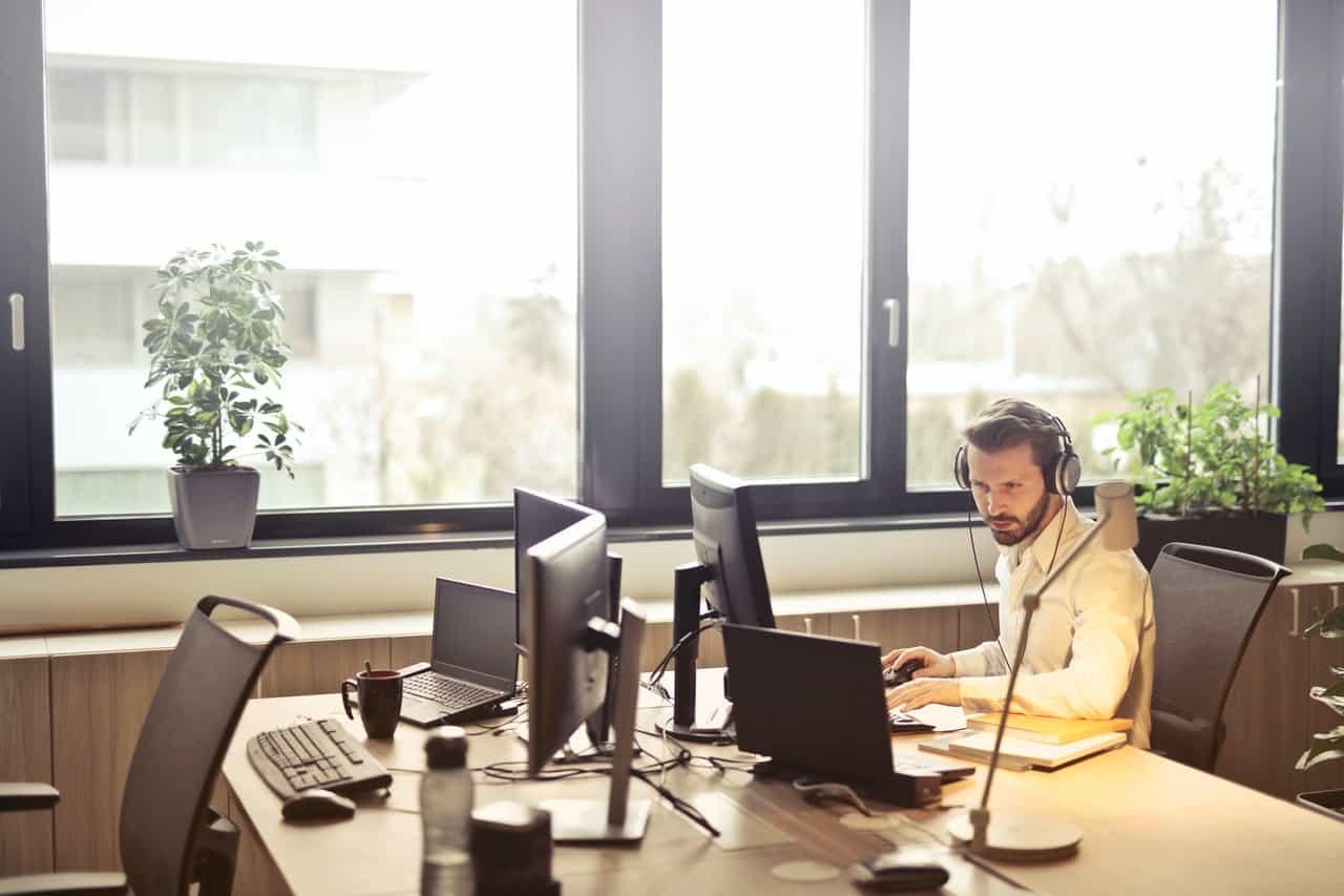 headset for online class teacher